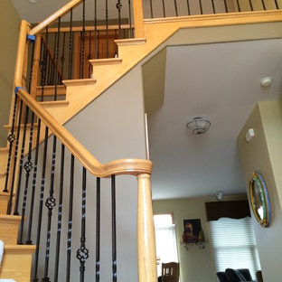 Example of a classic wooden l-shaped staircase design in Chicago with wooden risers
