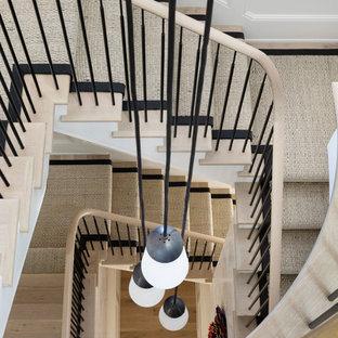 Foto de escalera de caracol, clásica renovada, grande