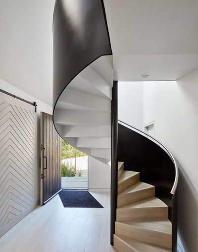 Coastal Staircase by Platform 5 Architects