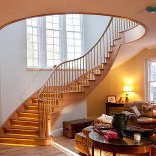 他の地域のカントリー風おしゃれな階段の写真