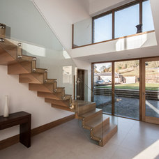 Contemporary Staircase by Elevation Design Ltd