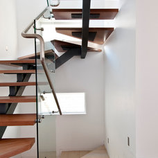 Contemporary Staircase by Aspire Constructions
