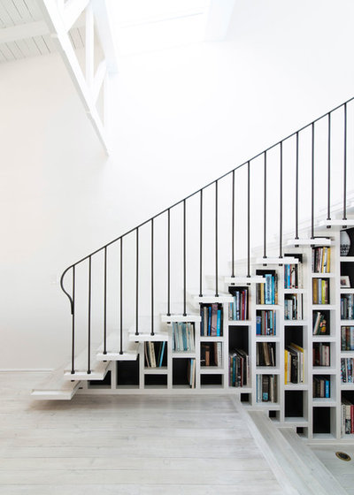 Coastal Staircase by Luigi Rosselli Architects