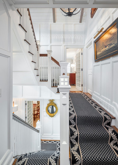 Beach Style Staircase by Hemingway Construction Corporation
