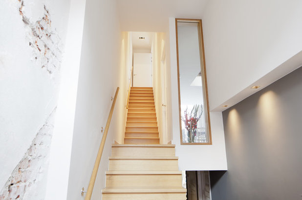 Contemporary Staircase by Joost Woertman Architect