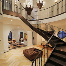 Contemporary Entry by Aly Daly Design