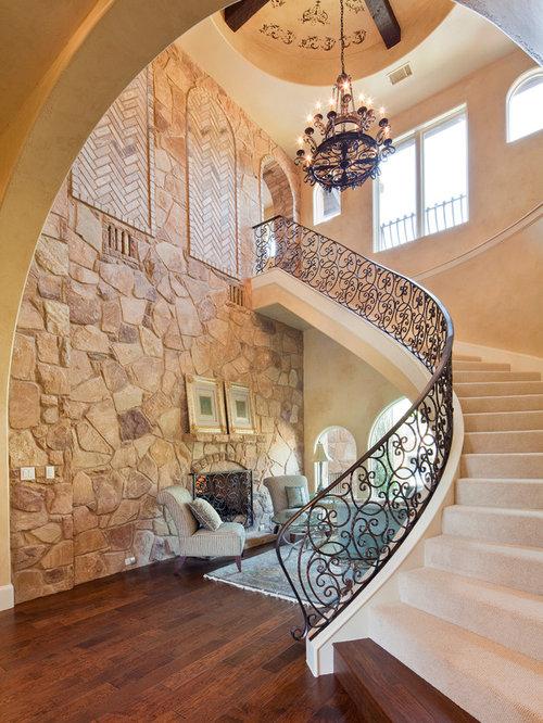 Treppenhaus mit teppich setzstufen mediterran ...