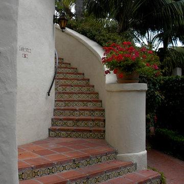 Biltmore Staircase Riser Tiles Pattern Diana