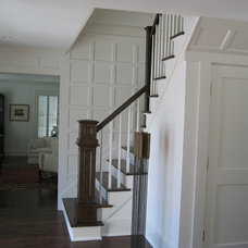 Traditional Staircase by proximity kitchensystem