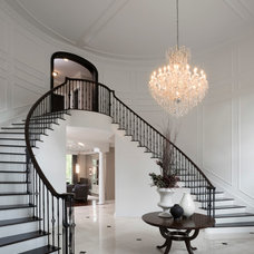 Transitional Entry by Tutto Interiors