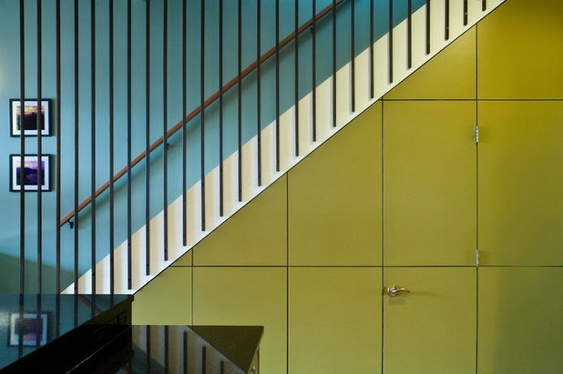 Contemporary Staircase by bba ARCHITECTS