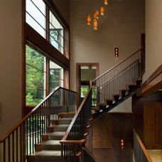 Contemporary Staircase by Peninsula Architects