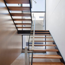 Modern Staircase by Chan Architecture Pty Ltd