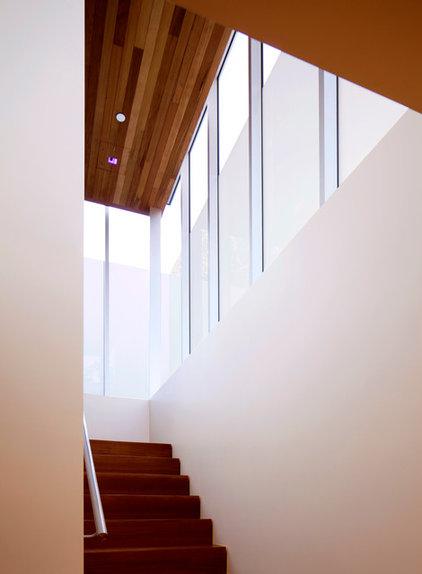 Midcentury Staircase by BiLDEN