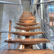 Contemporary Staircase by Morph Industries Ltd