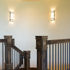 Traditional Staircase by Cameo Homes Inc.