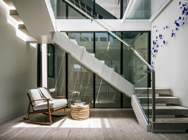 Contemporary Staircase by ethan allen construcion
