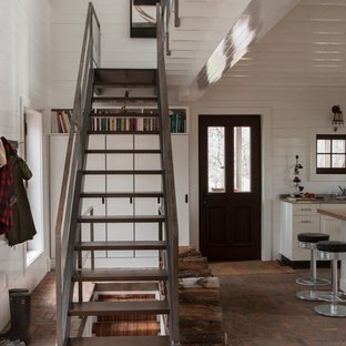 Imagen de escalera recta rústica