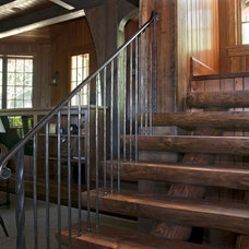 Traditional Staircase by Summerour Architects