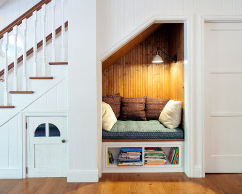 Mid Sized Country Wooden Straight Staircase Photo In Los Angeles