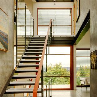 Inspiration för moderna raka trappor i glas, med öppna sättsteg