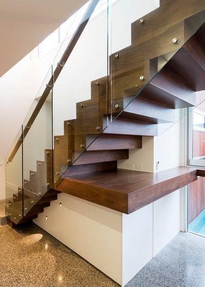 Contemporary Staircase by Dig Design