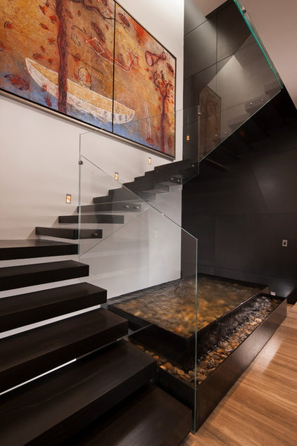 Contemporary Staircase by Gilberto L. Rodriguez / GLR Arquitectos