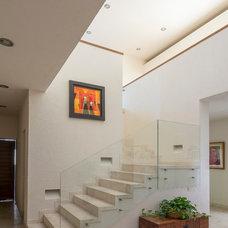 Contemporary Staircase by VEGA VEGA ARQUITECTOS
