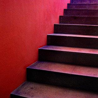 メキシコシティのコンテンポラリースタイルのおしゃれな階段の写真