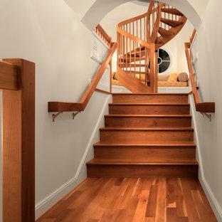 Diseño de escalera de caracol costera