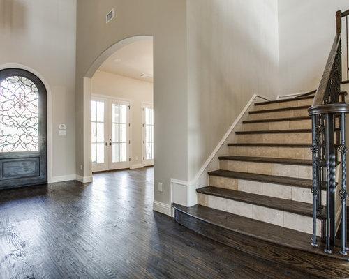 photos et id es d co d 39 escaliers en l avec des contremarches en carrelage. Black Bedroom Furniture Sets. Home Design Ideas