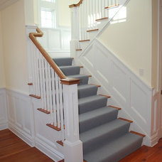 Traditional Staircase by Matthew Korn Architecture AIA