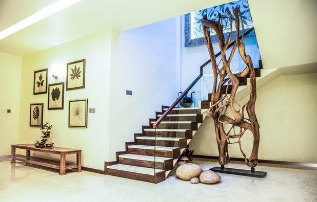Contemporary Staircase by Vinita Sid Interiors