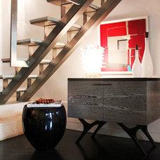 Modern Staircase by Diego Alejandro  Interior Design