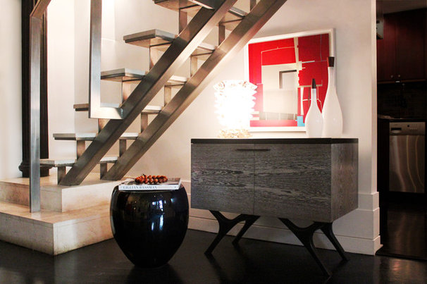 Modern Staircase by Diego Alejandro  Interior Design
