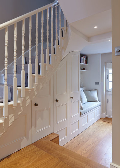 Traditional Staircase by Phillip Banks Design & Build Limited