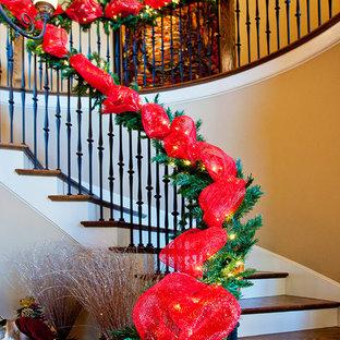 Пример оригинального дизайна: лестница в классическом стиле