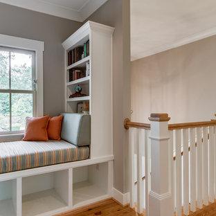 Exemple d'un escalier droit victorien de taille moyenne.