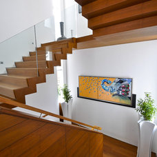Contemporary Staircase by DESIGN INTERVENTION