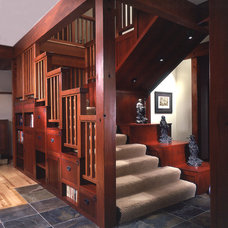 Traditional Staircase by Gelotte Hommas Architecture