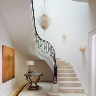 Idéer för en klassisk trappa, med räcke i flera material