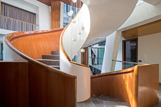 Contemporary Staircase by Anagram Architects