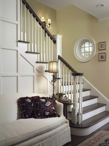 Traditional Staircase by Clifford M. Scholz Architects Inc.