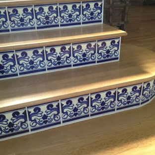 Example of an island style staircase design in Miami