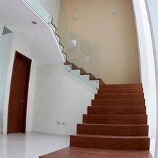 Modern Staircase by Carlos Avila ConE