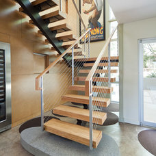 Contemporary Staircase by mark lind, sun+stone design