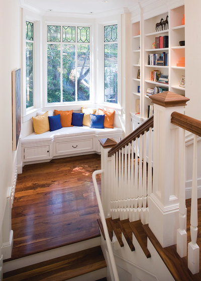 Traditional Staircase by Thomas Bateman Hood Architecture