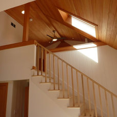 Beach Style Staircase by Baudo Builds