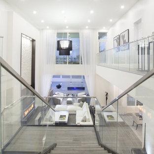 Imagen de escalera en L, actual, grande