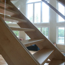 Modern Staircase by Amber Stairs & Railings Inc.